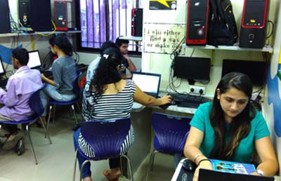 dmti-students-classroom-training